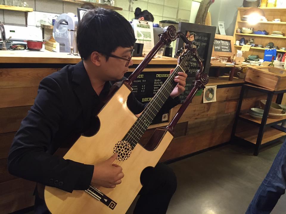 2016_Lyre Guitar-TE47 & 50-3.jpg